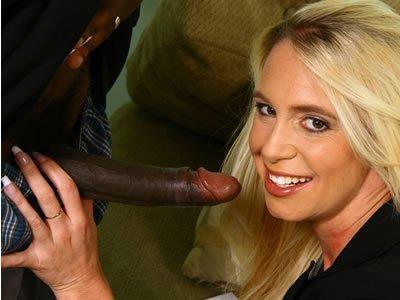 Feketék és MILF-ek – Debbie Dial