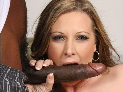 Feketék és MILF-ek – Keinra Kensley