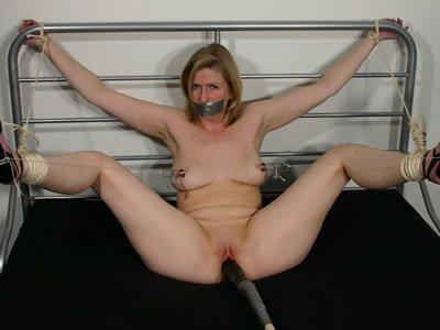 Ingrid - baszógép és pinanyalás