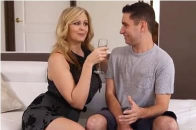 MILF anya és fia pornó
