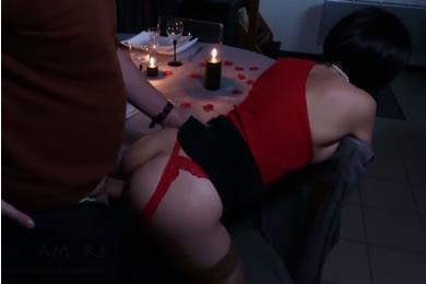 Amatőr MILF pornó - Valentin-napi szex